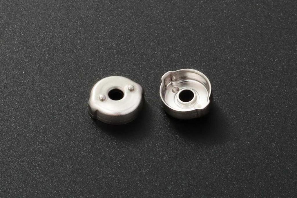 小型絞りプレス加工部品
